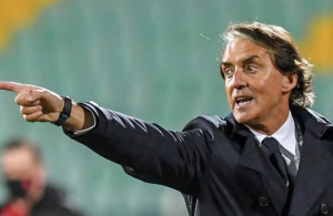 Italy coach Mancini calls for expanded Euro 2020 squads