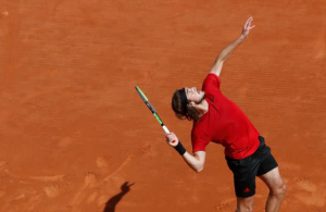 Stefanos Tsitsipas advances to third round in Monte Carlo