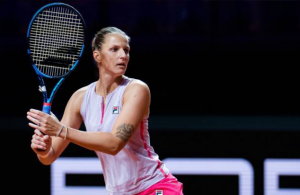 Pliskova fights back to set up clash with Barty in Stuttgart