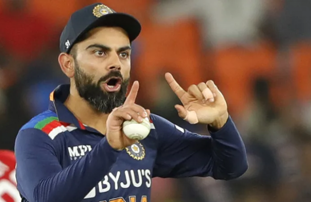 Kohli reprimanded for IPL temper tantrum