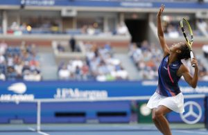 Crowd pleaser Fernandez rides wave of support to US Open semis